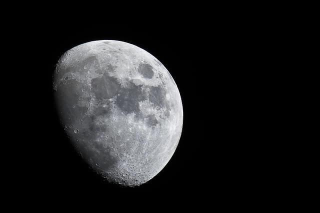 Roger Moore — Richtung Moonraker