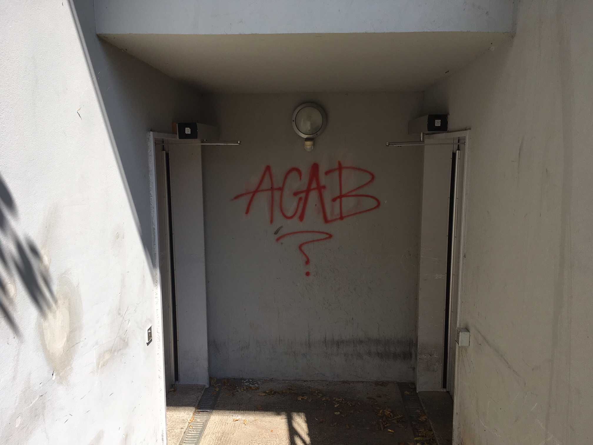 Graffiti am Keller