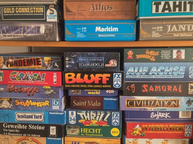 Liegende Lagerung von Brettspielen