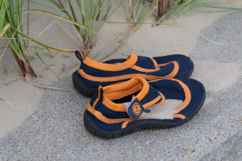 Schuhe voller Sand
