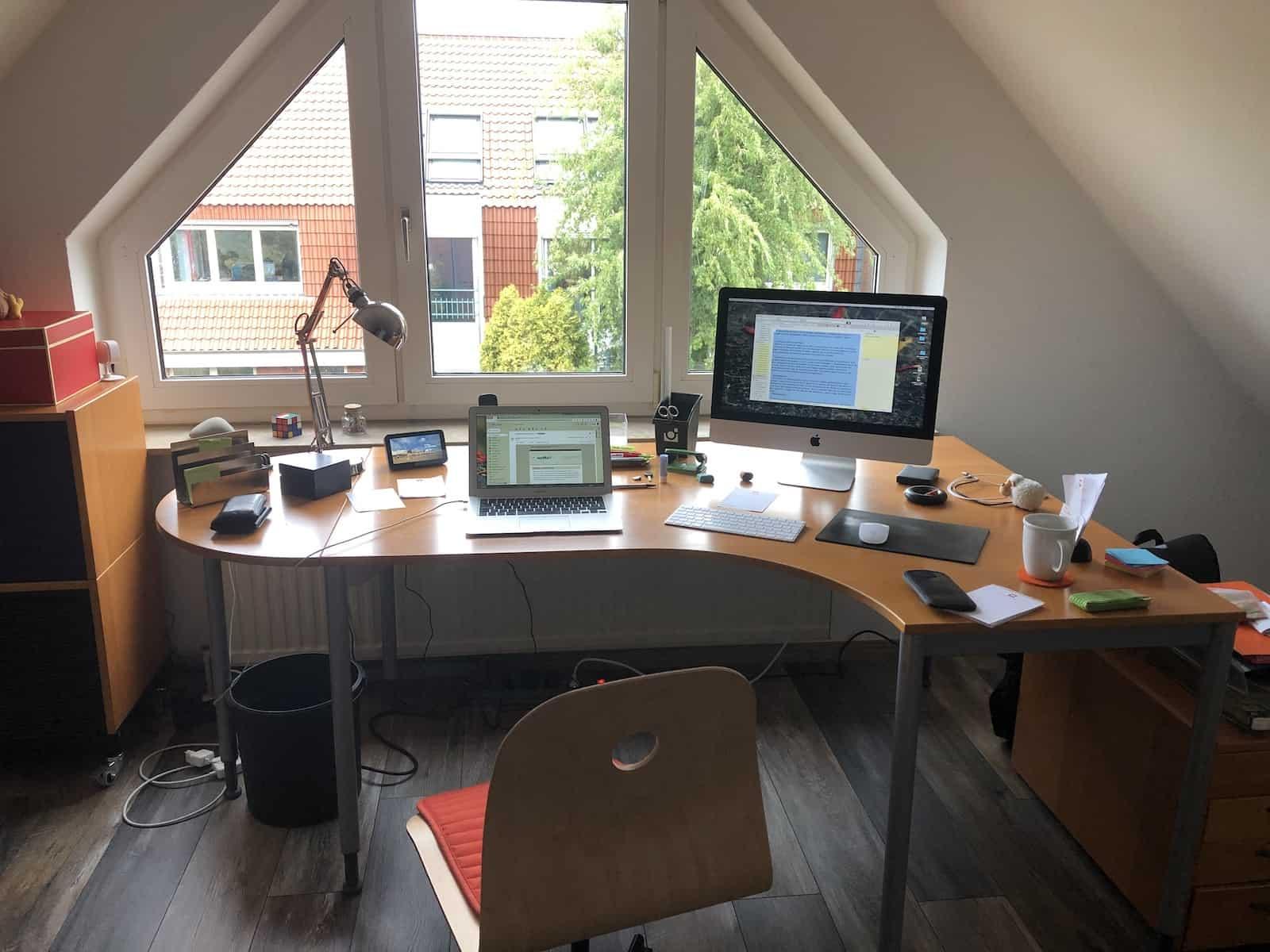 Schreibtisch in Emden