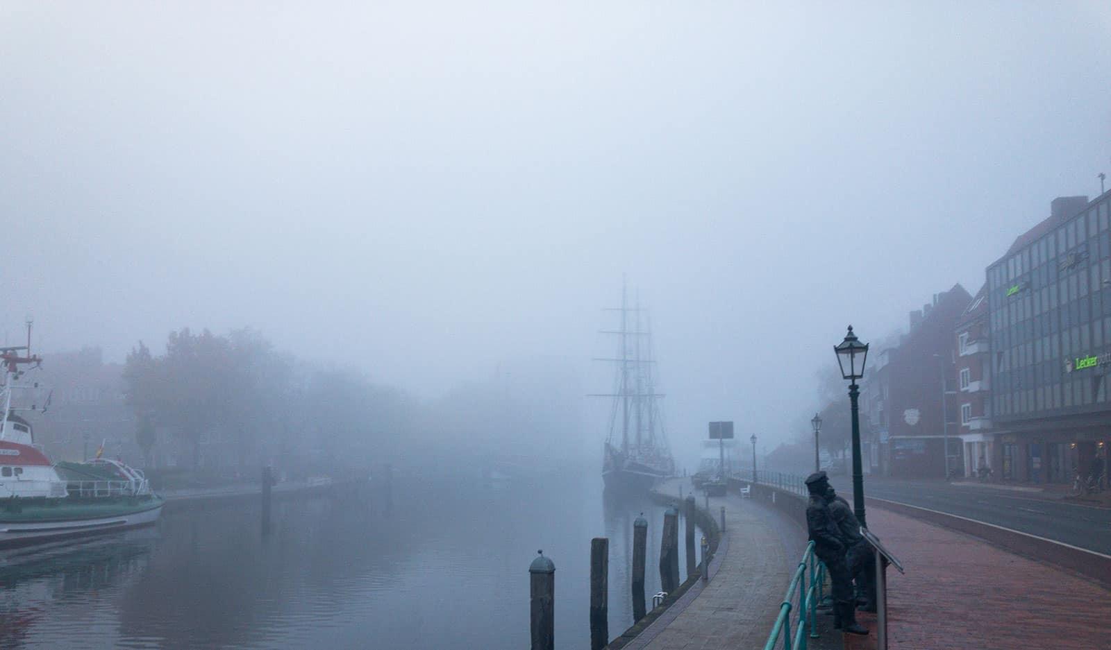 Keine Gulfhöfe im Nebel